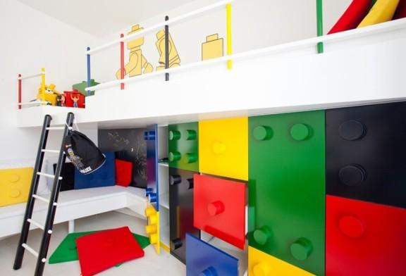 5 camerette per bambini a tema casanoi blog for Lego arredamento