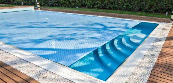 Consigli per scegliere la piscina fuori terra o interrata for Castiglione piscine