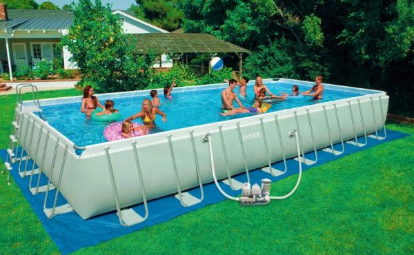 Consigli per scegliere la piscina fuori terra o interrata for Piscina fuori terra interrata