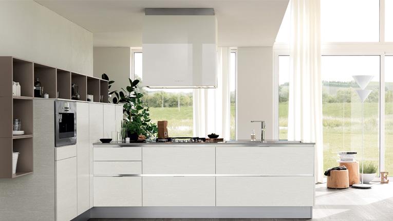 Come arredare una cucina senza pensili casanoi blog - Altezza pensili cucina da top ...