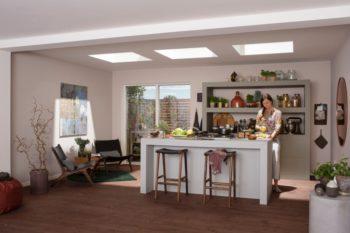 Finestra per tetti piani Velux in cucina