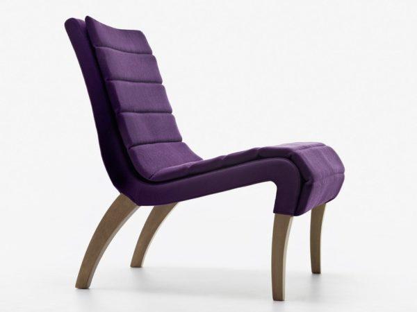 Ultra Violet colore Pantone 2018: Poltrona Lusitania di Passoni Nature Ultra Violet colore pantone 2018