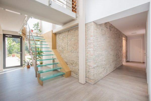 come ristrutturare casa consigli interno con scala