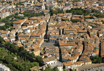 pagare caparra e prezzo della casa al creditore del venditore Grosseto, centro storico