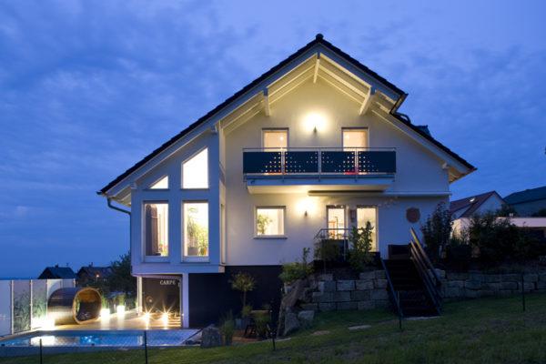 case ecologiche spazio positivo, esterno notte casa ecologica unifamiliare