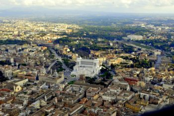 il pericolo dell'affitto in nero: foto aerea Roma