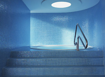 rivestimenti antibatterici igienizzanti in mosaico in piscina