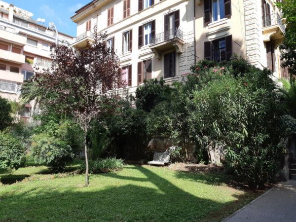 abitazioni con giardino a Roma